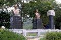 애국지사 이용태 이용준 동상 및 추모비
