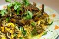 베트남의 음식-버미첼리 샐러드, 숯불 고기, 생선이 들어간 베트남 전통 볶음밥