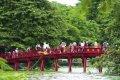 하노이 쩐꾸옥 사원의 붉은 다리
