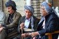 길가에서의 쿠르드족 사람들