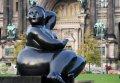 루스트가르텐에 있는 페르난도 보테로의 조각상