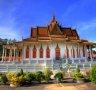 프놈펜 왕궁의 은색탑