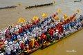 캄보디아 물 축제의 보트 경주