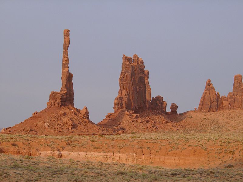 800px-Monument_Valley_Totem_Pole.jpg