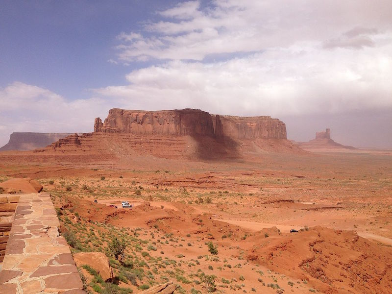 2013-09-22_14_14_38_View_north-northeast_from_Lookout_Point_towards_Sentinel_Mesa_and_Castle_Rock_in_Monument_Valley_Navajo_Tribal_Park.JPG