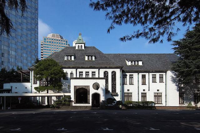 800px-Former_House_of_Yi's_Residence_Former_Akasaka_Prince_Hotel.jpg