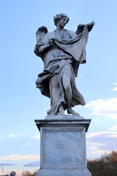 산탄젤로다리, 코시모 판첼리 '손수건을 든 천사 (베로니카의 장막)' 03