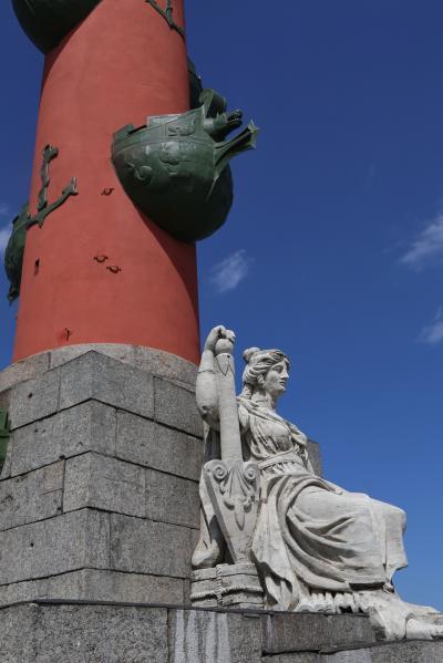 바실리예프스키 섬, 해전 기념 원주 09