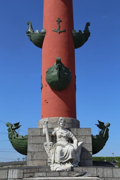 바실리예프스키 섬, 해전 기념 원주 12