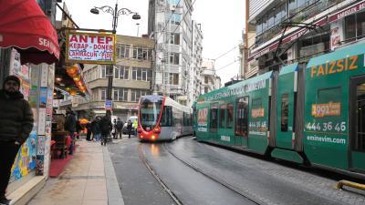 탁심 광장의 트램  08