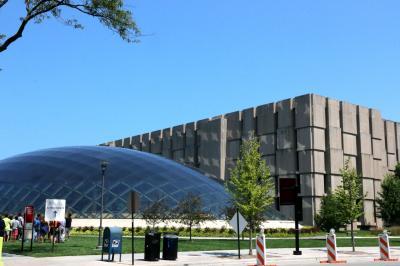 시카고 대학교, 만수에토 도서관 01