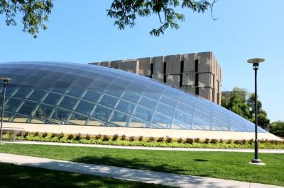 시카고 대학교, 만수에토 도서관 02