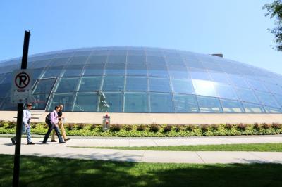 시카고 대학교, 만수에토 도서관 03