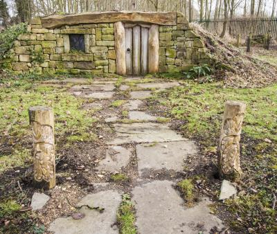 번비 홀 정원의 호빗 하우스 05