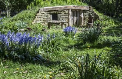 번비 홀 정원의 호빗 하우스 01