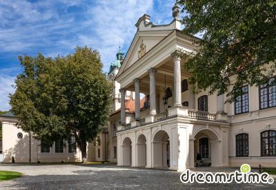 코즈로브카 궁 테라스