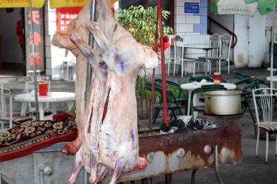 톈산톈츠 주차장 양고기 판매점