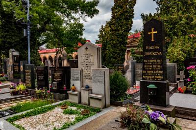 비셰흐라드 묘지 14