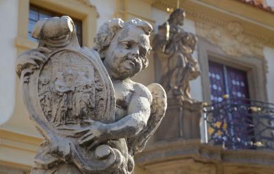 로레토 성당 동상