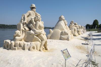 루세 다뉴브 모래 조각상 거리