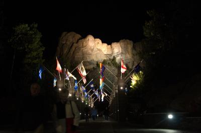 러시모어산, 야간 점등식 11