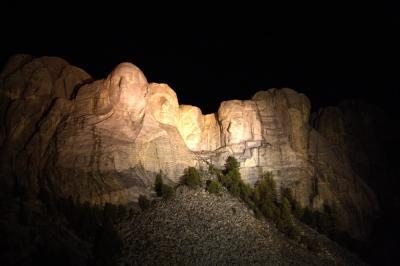 러시모어산, 야간 점등식 07