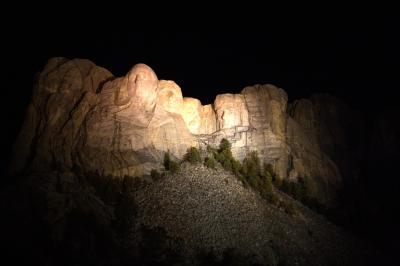 러시모어산, 야간 점등식 08