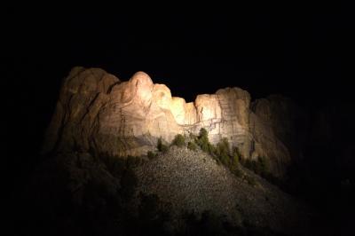 러시모어산, 야간 점등식 09