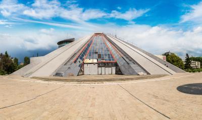 티라나 피라미드