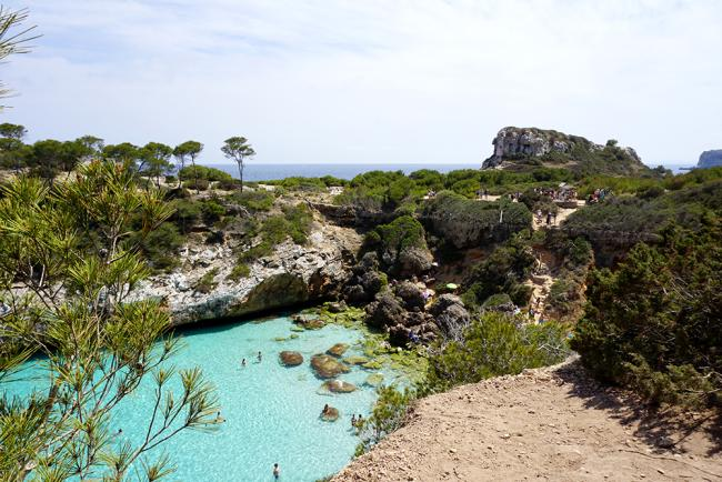아름다운 비밀의 해변, 깔로 데스 모로