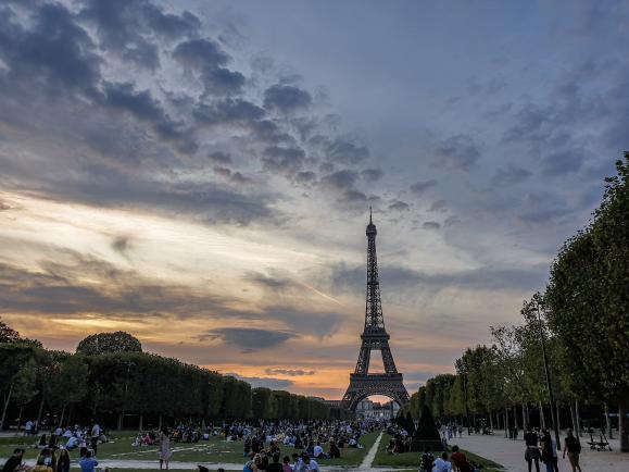 에펠탑과 루브르 박물관