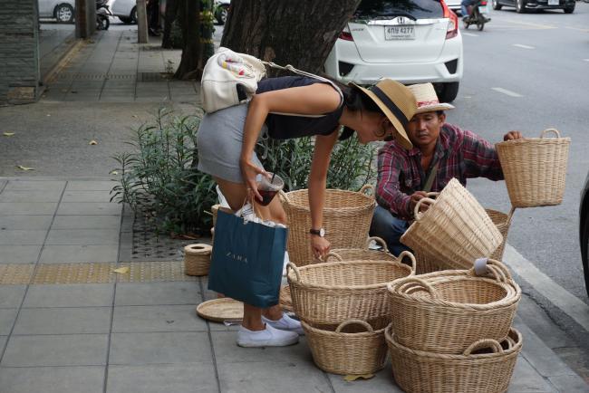 걷기 좋은 예쁜 동네, 방콕 핫플레이스 '통로'