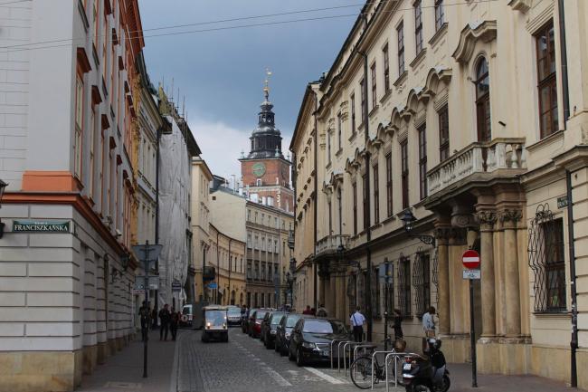 생기 넘치는 싱그러움과 아픔이 공존하는 폴란드 크라쿠프