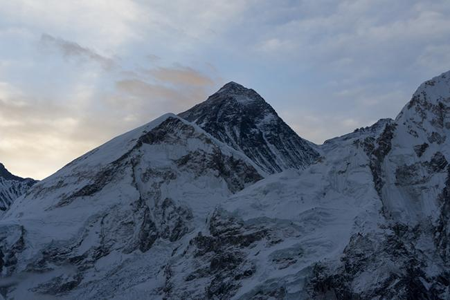 마침내 지구 최고봉 에베레스트를 마주하다