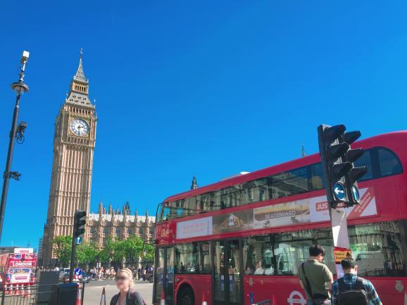 '활기차다'라는 단어가 생각보다 잘 어울리는 도시 런던