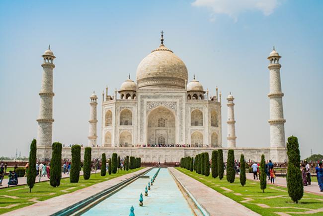 인도 건축의 정수 마할의 왕관 타지마할