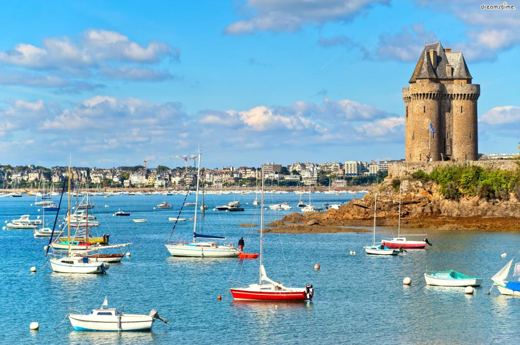 프랑스인들이 즐겨찾는 인기 휴양지  생말로(Saint-Malo)