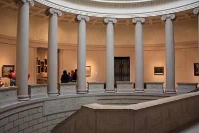 [2] 간단한 역사 보스턴미술관은 1876년 미국 독립혁명 100주년을 기념해 개관한 미술관이다. 처음엔 보스턴 중심가인 코플리 스퀘어에 있었다가, 1909년 지금의 위치로 이전했다.  왕족이나 귀족이 아닌 민간 재단법인에 의해 설립되었다는 점이 독특하다.