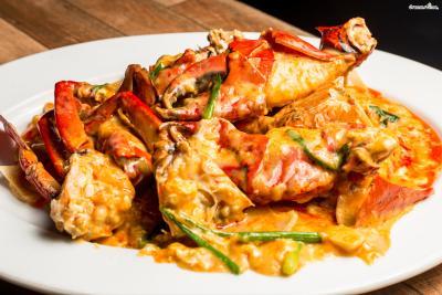 [대표음식⑤] 뿌팟뽕커리(Poo Phat Pong Curry) 꽃게와 커리, 코코넛 크림을 넣어 만든 고급 요리. 게의 종류와 크기에 따라 가격 차이가 있는 편이다.